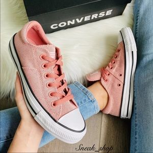NWT Converse Chuck Taylor All Star Madison OX